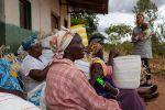 Mifukon työntekijöille Keniassa maksetaan reilua palkkaa. Kuva: Helene Wikström