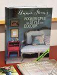 Ideakirjat neuvovat, miten Annia Sloan Chalk Paint -maalia käytetään sisällä ja ulkona. Kuva: Tia Yliskylä