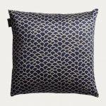 Ascoli-tyynynpäällinen on ajaton ja raikas. Saatavilla eri värejä. Kuva: Linum
