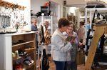 Monet retkeläiset kiittelevät uudistuneen Wetterhoff-myymälän laajaa sisustus- ja lahjaosastoa.