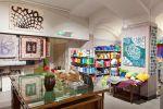 Wetterhoff-myymälän tee itse ?osastolla myydään lankojen ja kuteiden lisäksi käsityötarvikkeita. Kuva: Simo Karisalo