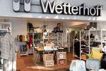 Upea Wetterhoff-myymälä sijaitsee Hämeenlinnan keskustassa Wetterhoffinkadulla. Tervetuloa! Kuva: Tia Yliskylä