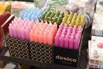 Desicon kynttilöissä on keväiset värit. Sisustusviikon ajan -– 20 % Wetterhoff-myymälässä Hämeenlinnassa. Kuva: Tia Yliskylä