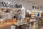 Wetterhoff-myymälä on käsityötä arvostavan sisustus- ja lahjakauppa Hämeenlinnan keskustassa. Kuva: Simo Karisalo