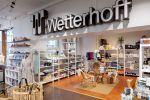 Wetterhoff-myymälä tarjoaa laajan valikoiman sisustus- ja lahjaideoita. Kuva: Simo Karisalo